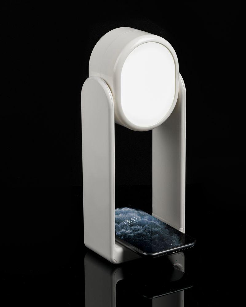 Настольная лампа с зеркалом и беспроводной зарядкой Tyro, белая - 9